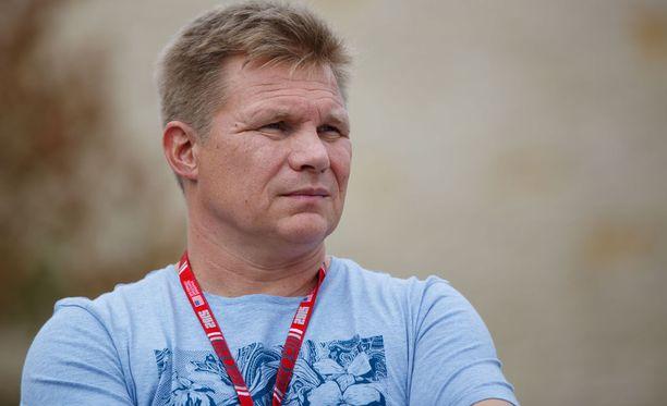 Mika Salo uskoo, että Valtteri Bottas sopeutuu kaikesta huolimatta tilanteeseensa Mercedeksellä.