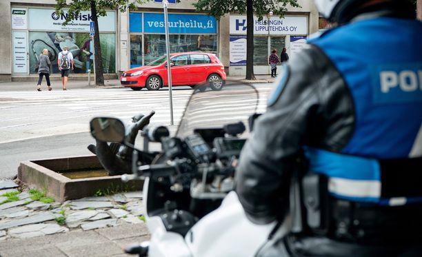 Poliisi etsii aseistautunutta henkilöä Virroilla. Kuvituskuva.