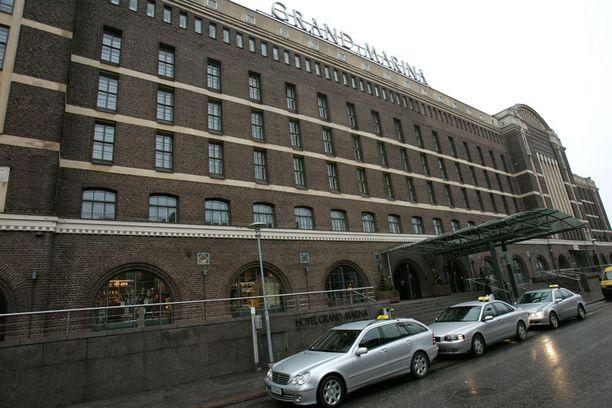 Hotelli Grand Marina sijaitsee Marina Congress Centre -kongressikeskuksen yhteydessä.