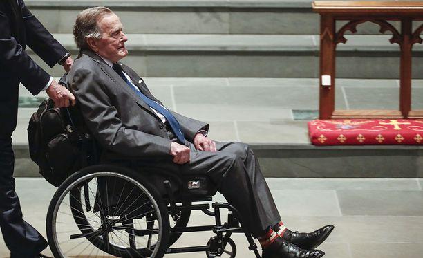 Yhdysvaltain entinen presidentti George H. W. Bush joutui edellisen kerran sairaalahoitoon pian vaimonsa hautajaisten jälkeen huhtikuun lopussa.
