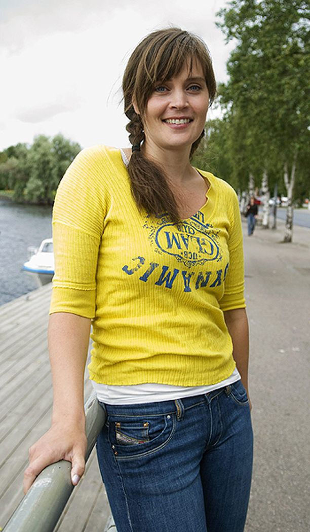 Näin Tiina Lymi poseerasi Iltalehdelle vuonna 2008.
