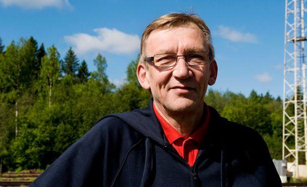 Martti Vainio on mielissään siitä, ettei kultamitali mennyt pilkkahinnalla.