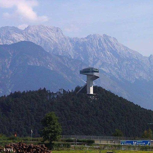 Miss Itävalta syöksyi alas Bergiselin vuorenseinämää Tirolissa.