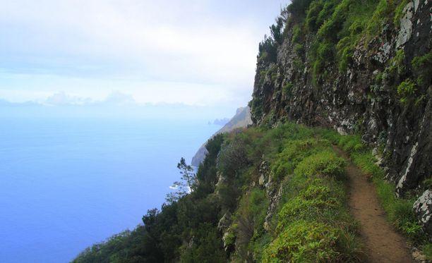 Madeiran luonnosta pääset nauttimaan 500 eurolla.