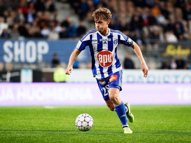 Rasmus Schüller on nähty viimeksi HJK:n paidassa vuonna 2017, jolloin mies piipahti lyhyellä lainapestillä seurassa.