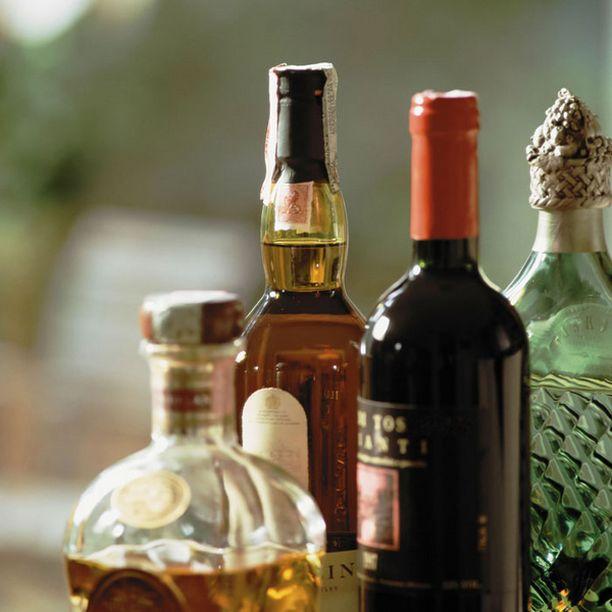 Alkoholi muuttuu elimistössä asetaldehydiksi.