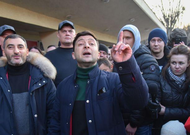 Tv-tähti, koomikko Volodomir Zelenskii saattaa olla vaalien mustahevonen.