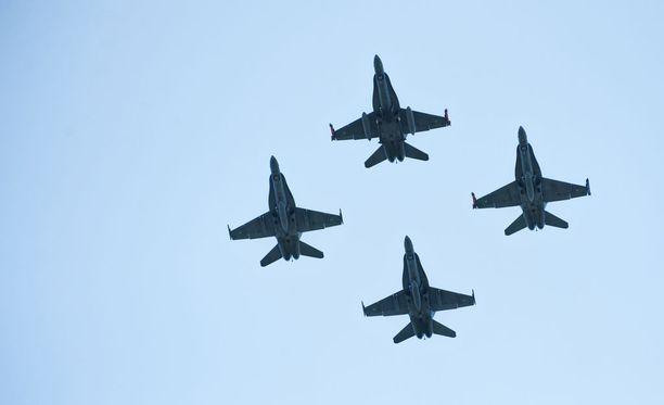 Viisi lentokonevalmistajaa on tarjoamassa seuraajaa Ilmavoimien Hornet-monitoimihävittäjälle.
