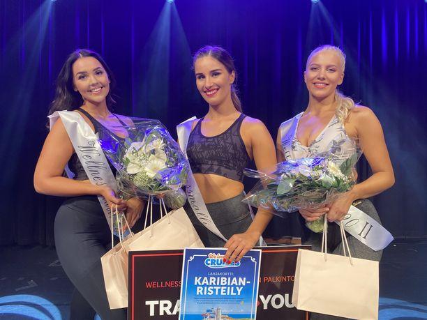 Johanna Tähtinen (vas.), Josefiina Lahtinen (kesk.) ja Salli Leppäkoski (oik.) muodostivat tämän vuoden Wellnessmalli-kilpailun kärkikolmikon.