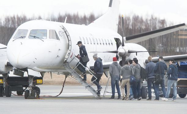 Tappara matkustaa Ouluun yksityislennolla Pirkkalan kentältä. Kuva vuoden 2014 finaaleista.