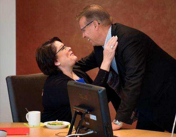 Pamin Ann Selin (sd) halaa kiky-sopimusta ajavaa Lylyä SAK:n hallituksessa, mutta omassa liitossaan hänellä on vaikeuksia saada sopimus läpi.