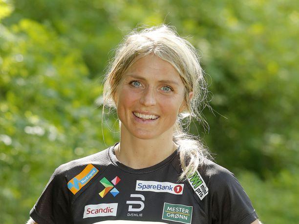 Therese Johaug on osoittanut kykynsä juoksuradalla.
