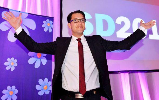 Jimmie Åkessonin johtama ruotsidemokraatit on tuoreimman mielipidemittauksen mukaan Ruotsin suurin puolue. (EPA)