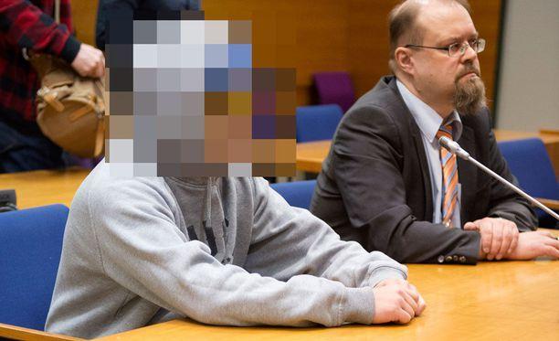 Murhasta tuomittu 18-vuotias mies kesäkuussa 2017 Pirkanmaan käräjäoikeudessa.