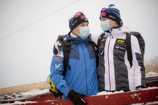Lauri Vuorinen ja Johanna Matintalo elävät hiihtoarkea Rovaniemellä.
