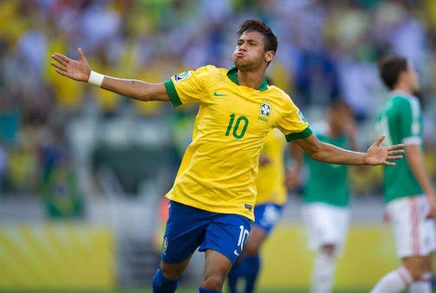 Neymar teki komean maalin Meksikon verkkoon.