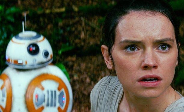 Daisy Ridley kerää kehuja roolisuorituksestaan elokuvassa.