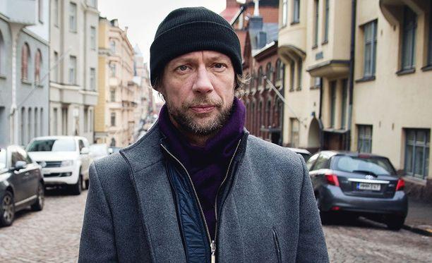 Antti Reini johdattaa katsojat tällä kertaa myrkkyhoitajan jäljille.