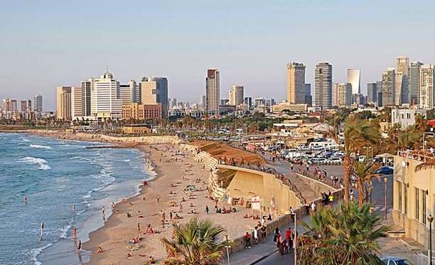 Tel Aviv on Välimeren rannalla sijaitseva kaupunki.