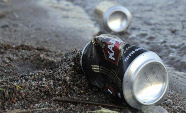 Moni alaikäinen nuori on juonut liikaa alkoholia ja päätynyt ensihoitoon lauantaina Turussa.