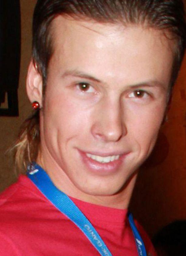 Antti Kurhinen teki kannatuslaulun Venäjälle.