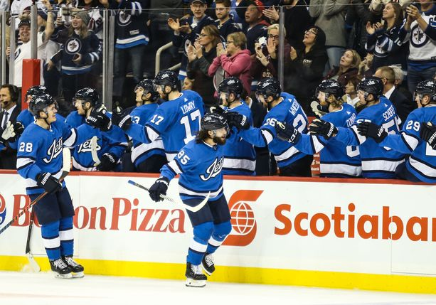 Winnipeg Jetsin pelaajat esittelevät taitojaan tällä viikolla Helsingissä.