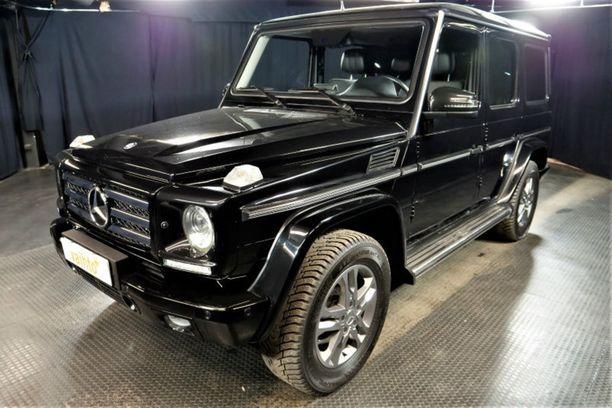 Järeä mustanpuhuva G-sarjan Mercedes on myynnissä noin 150 000 euron hinnalla.