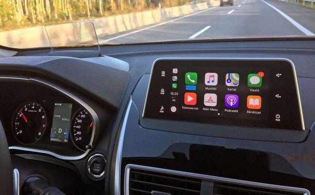 Applen Carplayn kautta saa kännykän navigaattorin ja paljon muutakin ruuttuun.