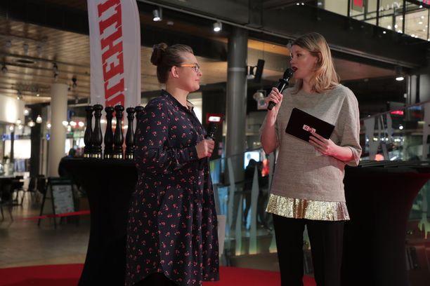 Tilaisuuden juonnoista ja palkintojenjaosta vastasivat Pippuri.fin Eeva Paljakka ja julkkiskokki Pipsa Hurmerinta.