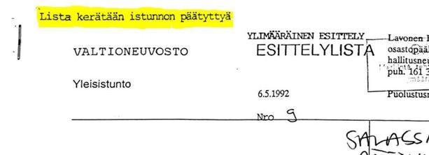 Salaiset muistiot numeroitiin ja ne kerättiin ministereiltä pois valtioneuvoston päätöksentekoistunnon jälkeen. Paperit tulivat julkiseksi juhannuksen alla, kun Iltalehti pyysi ne puolustusministeriöltä.