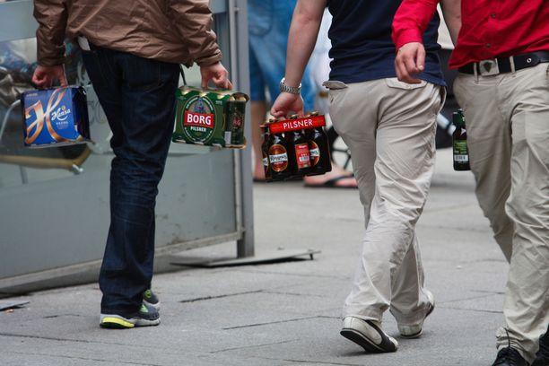 Alkoholin etämyyntiin pyritään saamaan lisää selvyyttä oikeustapauksien kautta. Kuvituskuva.