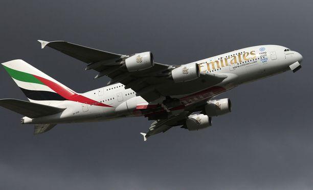 Viiniä tarjoillaan Emirates-lentoyhtiön lennoilla ilmaiseksi.