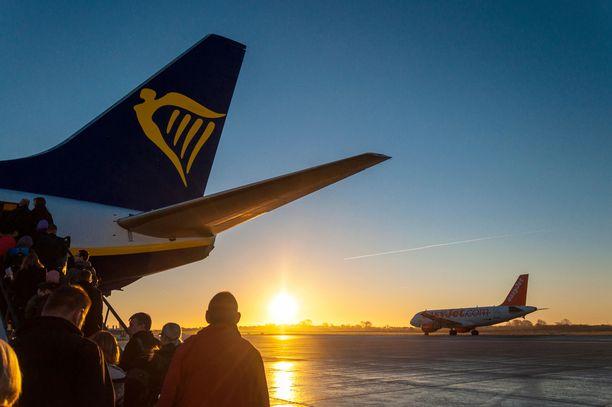 Auringon kanssa samaan aikaan nousevalla lennolla on puolensa, vaikka yöunet jäisivätkin sen takia lyhyiksi,