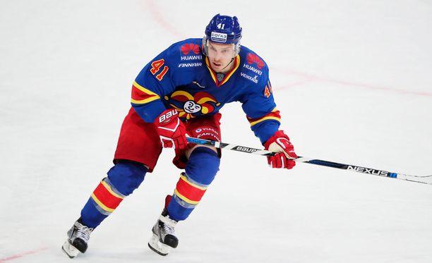 Antti Pihlström esiintyi Areenassa väkevästi.