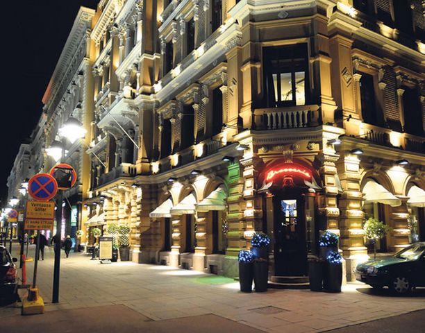 Liikemiehet järjestivät huumebileitä muun muassa hotelli Kämpin sviitissä.