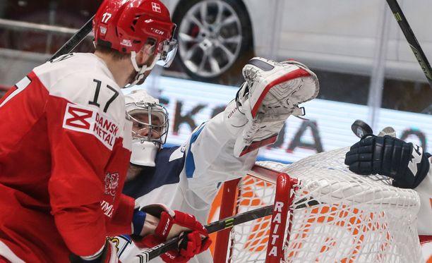 Mikko Koskinen torjui Tanskan alkurynnistyksen.