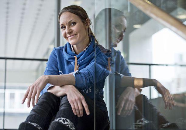 Johanna Nordblad innostui vapaasukelluksesta 1990-luvulla ja sittemmin hän saavutti lajissa maailmanmestaruuden.