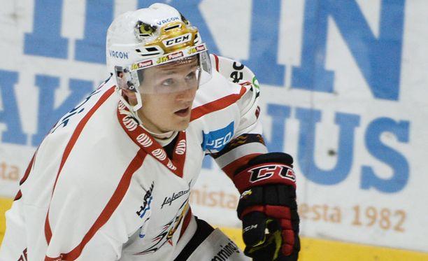 Teemu Tallberg ampui Sportin kauden avausmaalin.