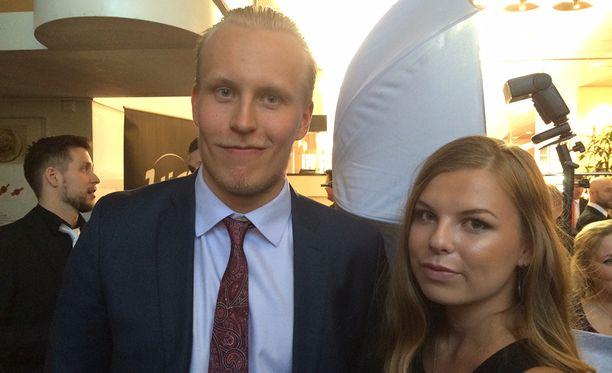 Patrik Laine ja Sanna-Mari Kiukas osallistuvat Liigagaalaan Tampereella.