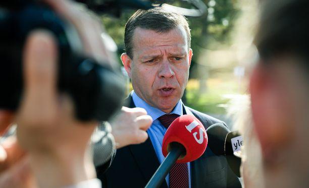 Valtiovarainministeri Petteri Orpo teki selväksi, että perhevapaauudistus polkaistaan käyntiin budjettiriihessä. Yksityiskohtiin Orpo ei ottanut kantaa.