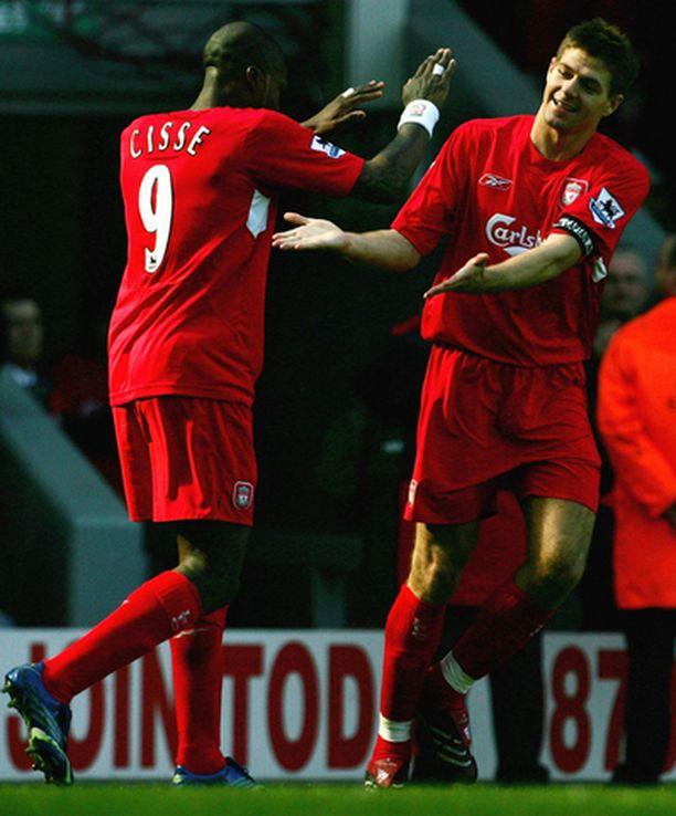 Kapteeni Steven Gerrard avitti joukkueensa voittoon kahdella maalilla.