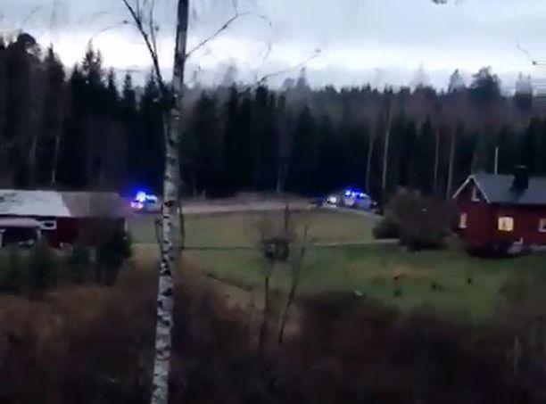 Poliisi ajoi autoa takaa Helsingistä Sipooseen saakka.
