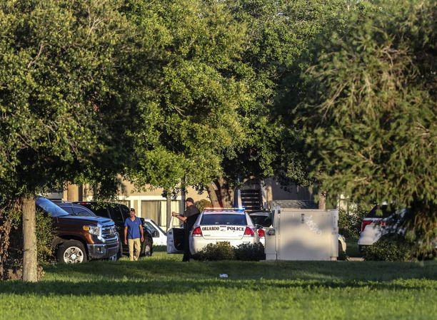 Poliisit neuvottelivat asuntoon linnoittautuneen miehen kanssa koko maanantaipäivän.