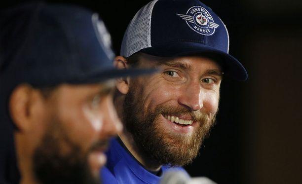 Blake Wheeler jatkaa Winnipeg Jetsissä kauden 2023-2024 loppuun saakka.