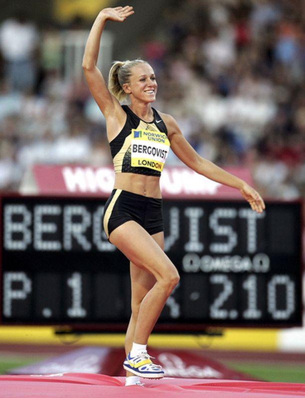 Kajsa Bergqvist teki kauden kärkituloksen naisten korkeushypyssä (205) ja yritti myös maailmanennätystä 210.