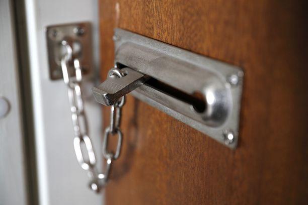 Poliisi saa aika ajoin ilmoituksia, joissa asuntoihin on murtauduttu jättämättä jälkeäkään.