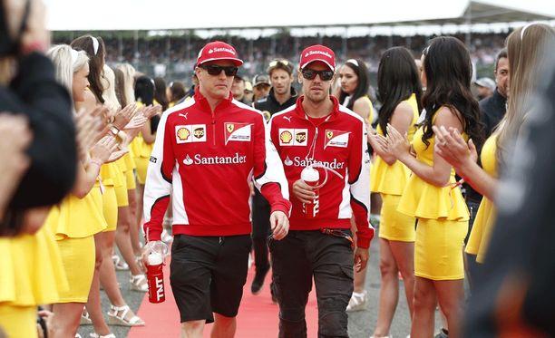 Sebastian Vettel saattaa vaikuttaa merkittävästi Kimi Räikkösen jatkosopimuksen syntymiseen.