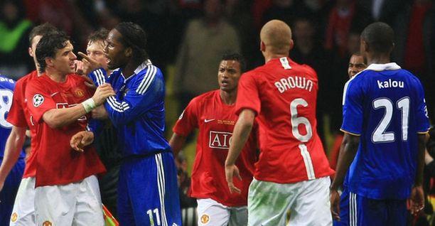 Tästä tilanteesta Didier Drogba lähti uos kentältä