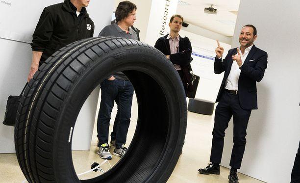Eurooppalainen kuluttaja odottaa renkaan kestävän keskimäärin vähintään 38 049 kilometriä.