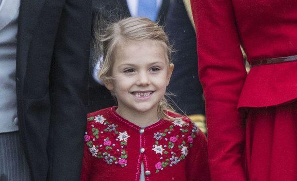 Ruotsin prinsessa Estelle, 5, on Ruotsin kruununprinsessa Victorian ja prinssi Danielin esikoinen.